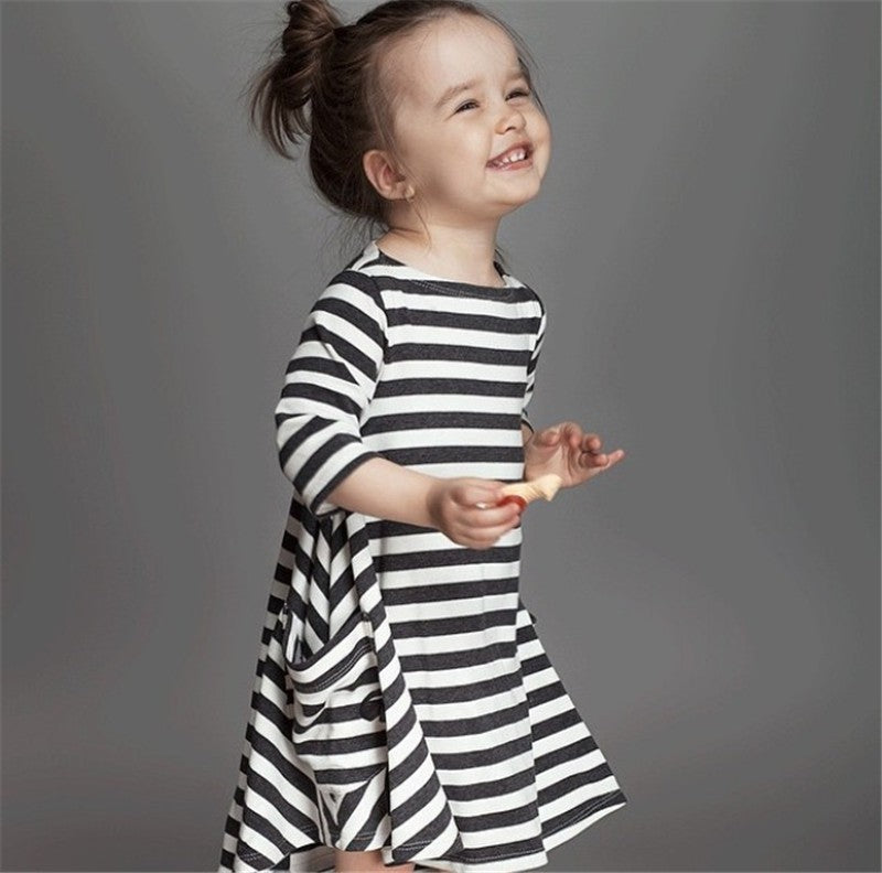 55a6ec408 ... Fashion mom and kids couple look stripe family matching outfits Baby  Girls clothes dress mother daughter ...