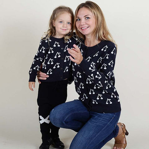 Family Cute Cherry Sweaters Mom Daughter Cotton Matching Clothes Mother Baby Knitted Clothing Winter Mommy Kids Outfit Wear