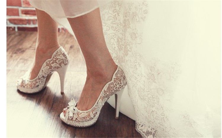 Fiancee Engagement Party Shoes Peep Toe Lace Wedding Shoes Mother of the Bride Shoes White Color Bowtie Party Prom Pumps