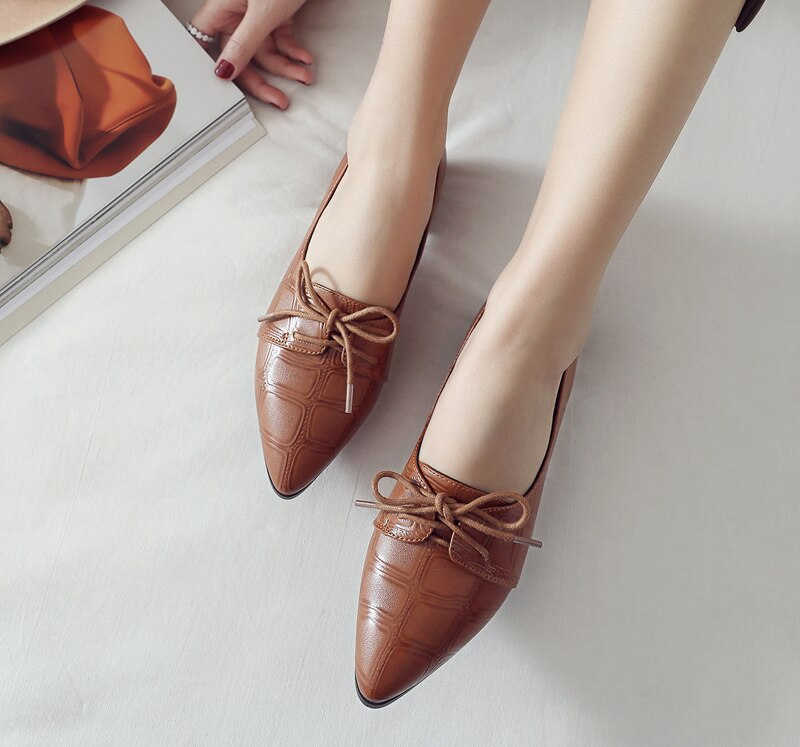 Women Pumps Med High Heels Ladies Shoes Lace Up Pointed Toe Thick Heel Female Shoes Pleated Casual 2018 Spring Shoes New