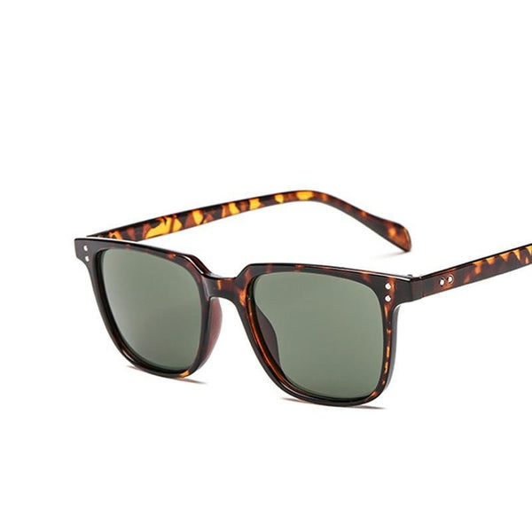 Fashion Sunglasses Men Brand Designer Vintage Small Sun Glasses Leopard Rivet Shades Style Eyewear UV400 5047