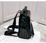 Women Large Leather Backpack Female Teenage Girls School Backpacks Vintage Rivets Bags Mochila Solid Shoulder Bag Black XA71H