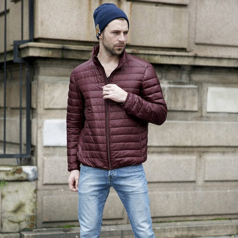 ef72eff2aaa74 2018 Mens Autumn Jackets Light and Thin Style Winter Duck Down Warm Outwear  Stand Collar Portable