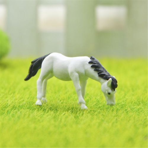 2pcs/lot Mini Craft Micro Cute Cartoon Horse Landscape Fancy Fairy Garden Miniatures