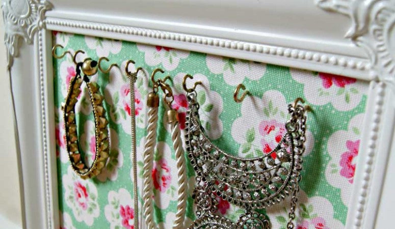 Are you ready for a shabby chic DIY project?