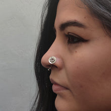 Eclipse nose pin