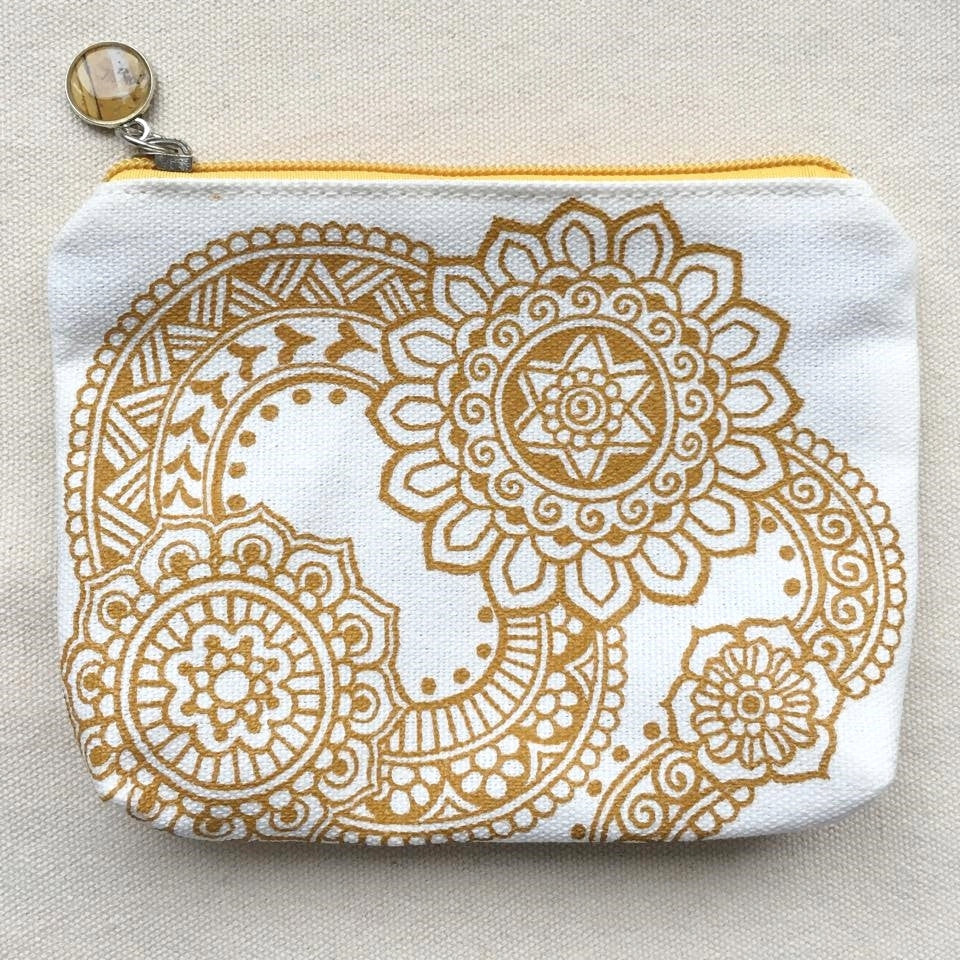 Henna Art Zipper Pouch (White & Gold 1)