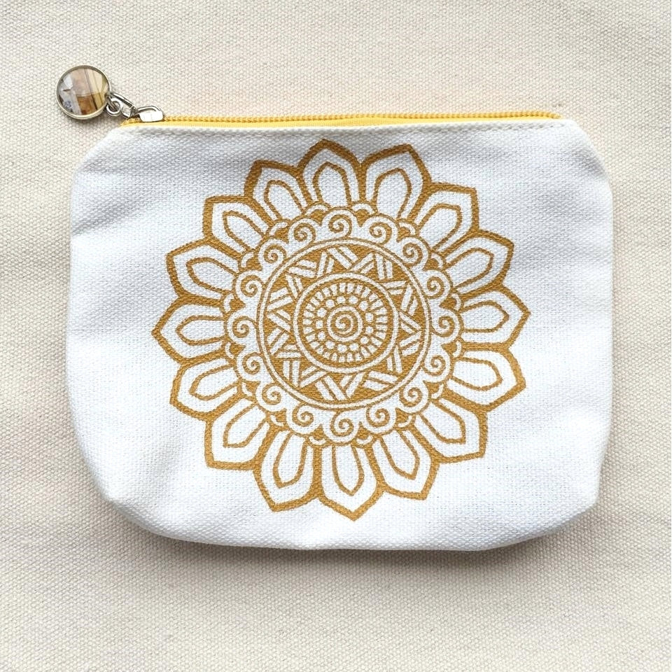 Henna Art Zipper Pouch (White & Gold 2)