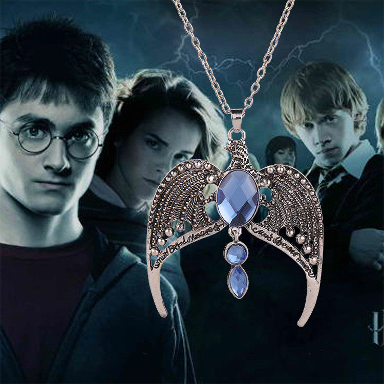 The new 2015 necklace Harry potter with a crown of ravenclaw lost magic school