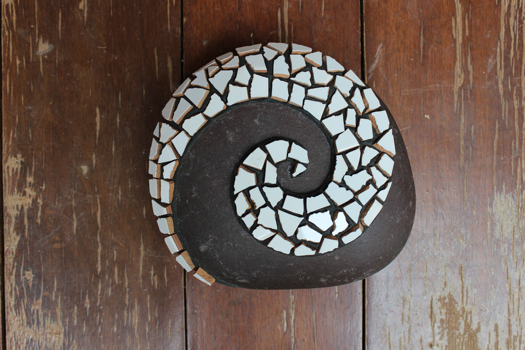 Located in Bangalore, Tile Italia Pebbles is the best option for you to buy Mosaic pebbles! We are India's leading supplier and wholesale dealers in pebbles. These Mosaic White Swirl pebbles are great for interiors, landscaping and garden décor. Quirky and colourful they are great as gifts for every occasion. They require low maintenance and are cheap and reasonable. They easily fit into your home décor and enhance beauty of any place.
