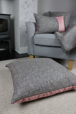 Charger l'image dans la galerie, McAlister Textiles Lewis Velvet Border Tweed Pillow Grey Heather and Pink Pillow