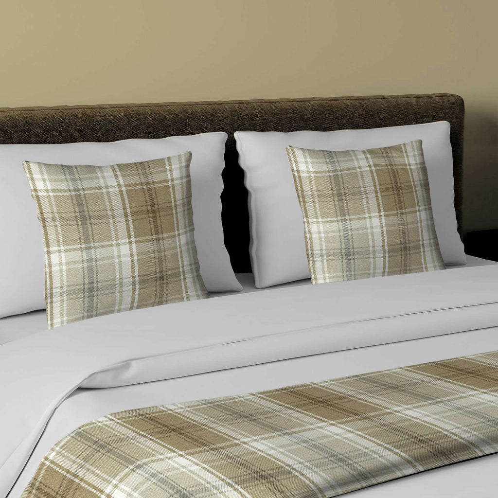 McAlister Textiles Angus Beige Cream Tartan Bedding Set Bedding Set Runner (50x240cm) + 2x Cushion Covers