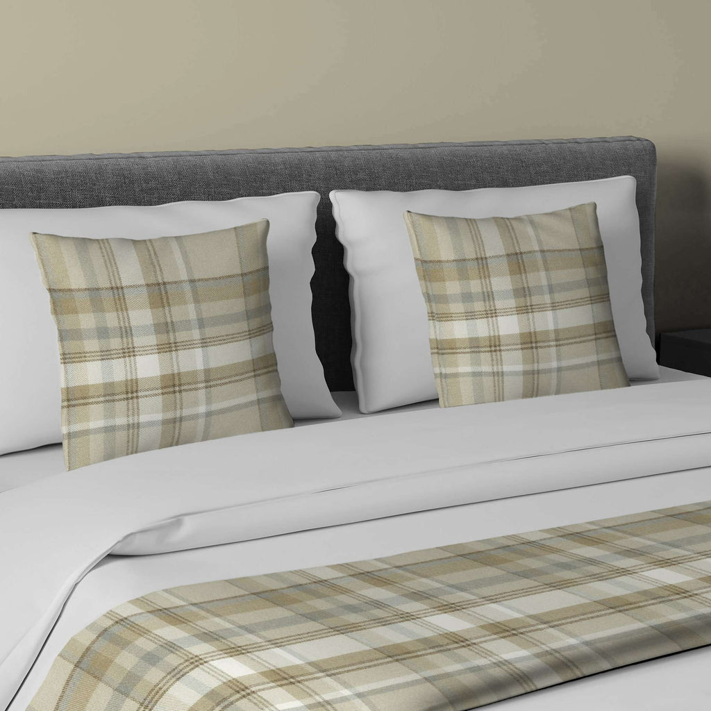 McAlister Textiles Heritage Beige Cream Tartan Bedding Set Bedding Set Runner (50x240cm) + 2x Cushion Covers
