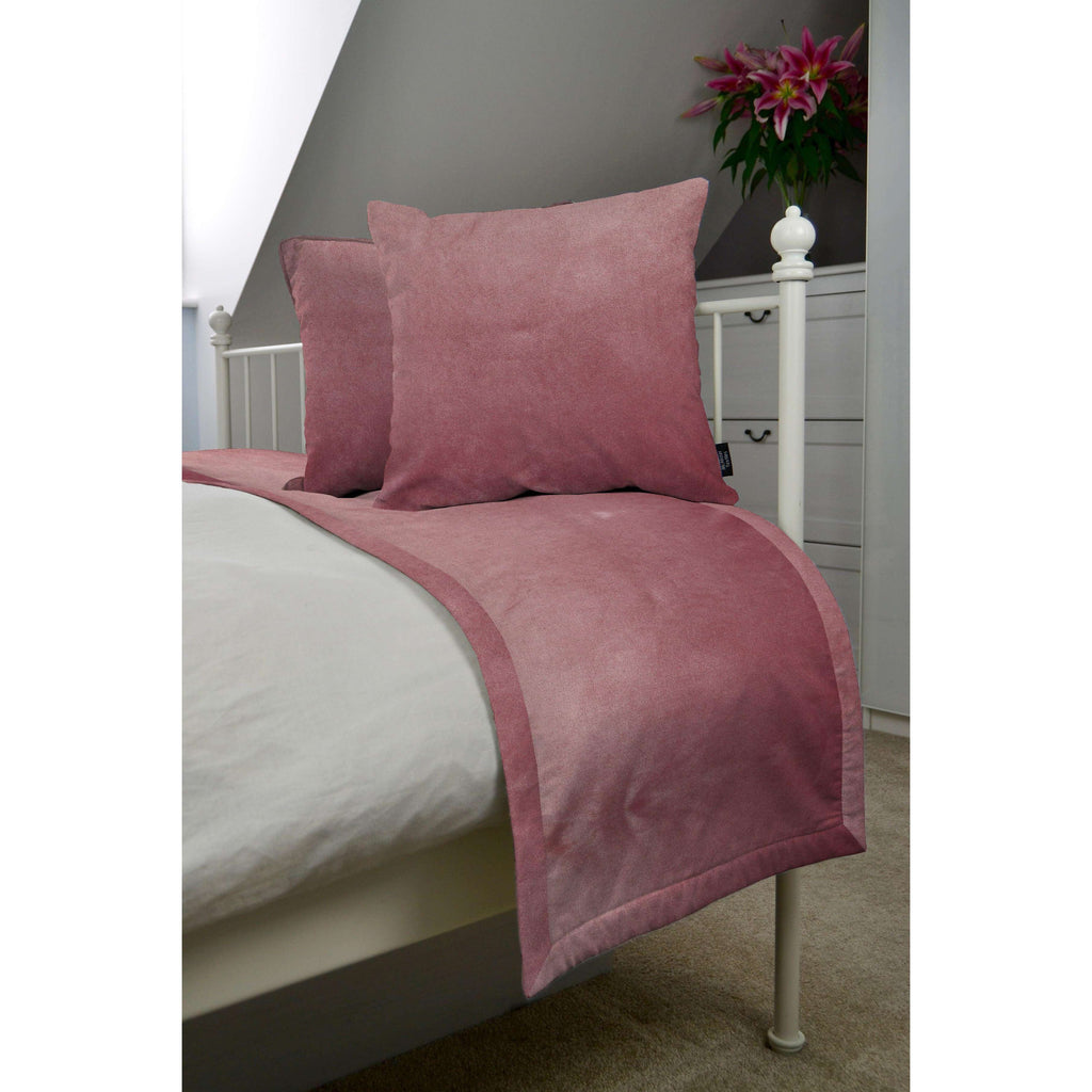 McAlister Textiles Matt Blush Pink Velvet Bedding Set Bedding Set Runner (50x240cm) + 2x Cushion Covers