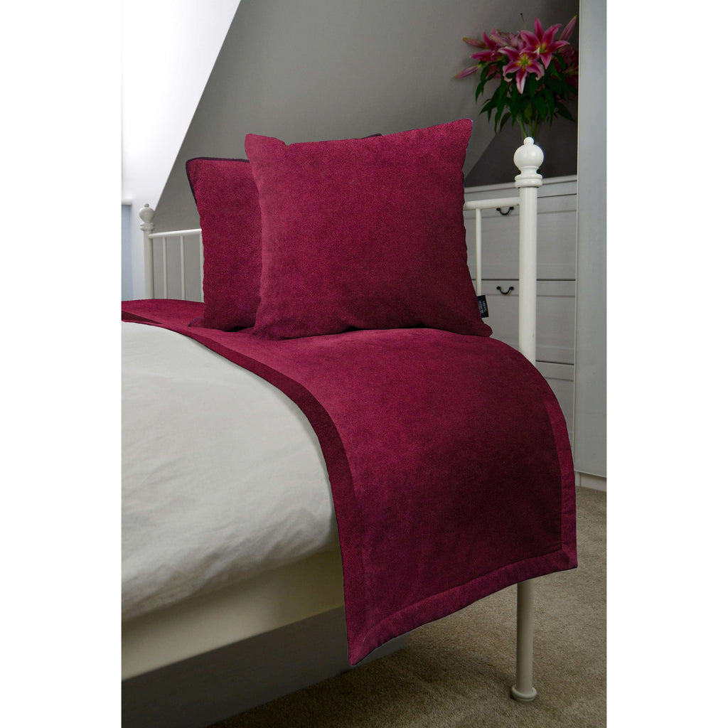 McAlister Textiles Matt Wine Red Velvet Bedding Set Bedding Set Runner (50x240cm) + 2x Cushion Covers