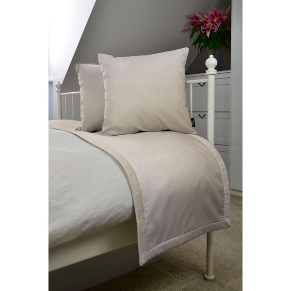 McAlister Textiles Matt Champagne Gold Velvet Bedding Set Bedding Set Runner (50x240cm) + 2x Cushion Covers