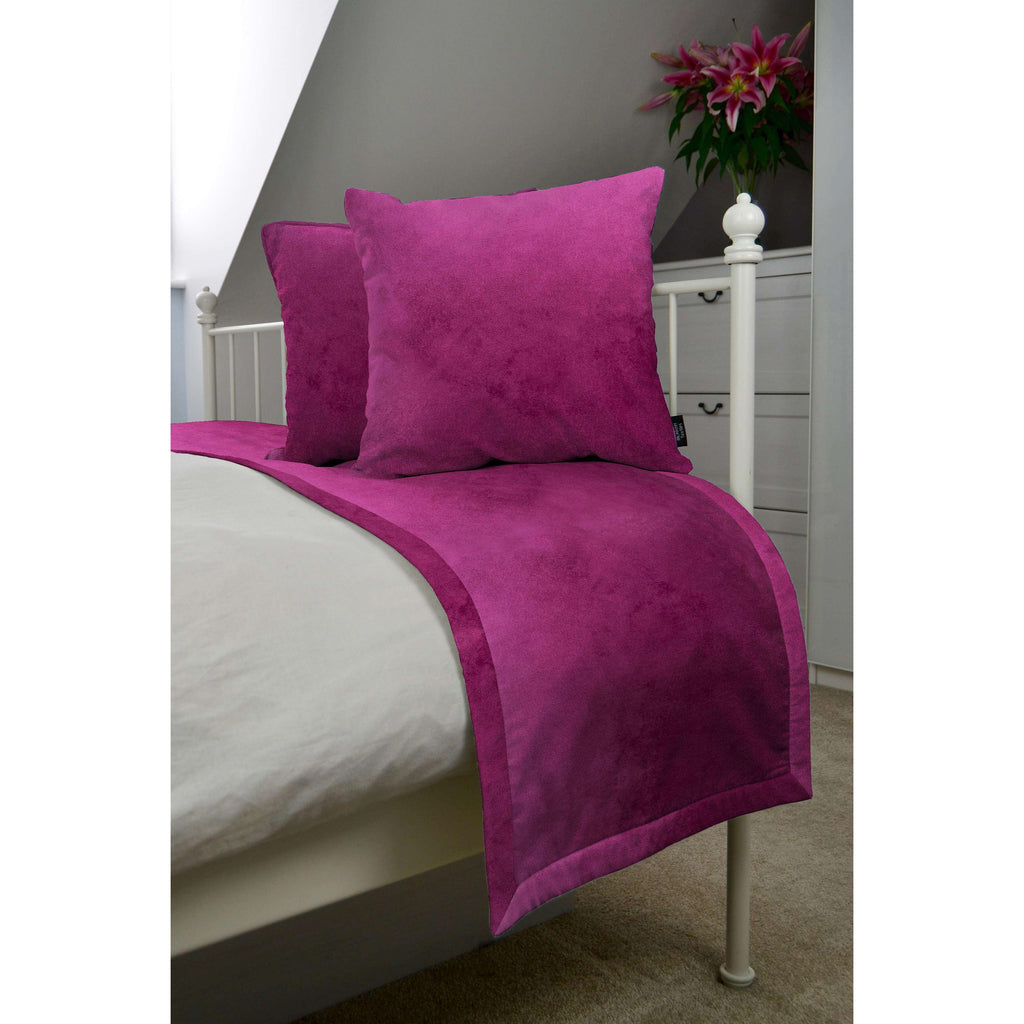 McAlister Textiles Matt Fuchsia Pink Velvet Bedding Set Bedding Set Runner (50x240cm) + 2x Cushion Covers