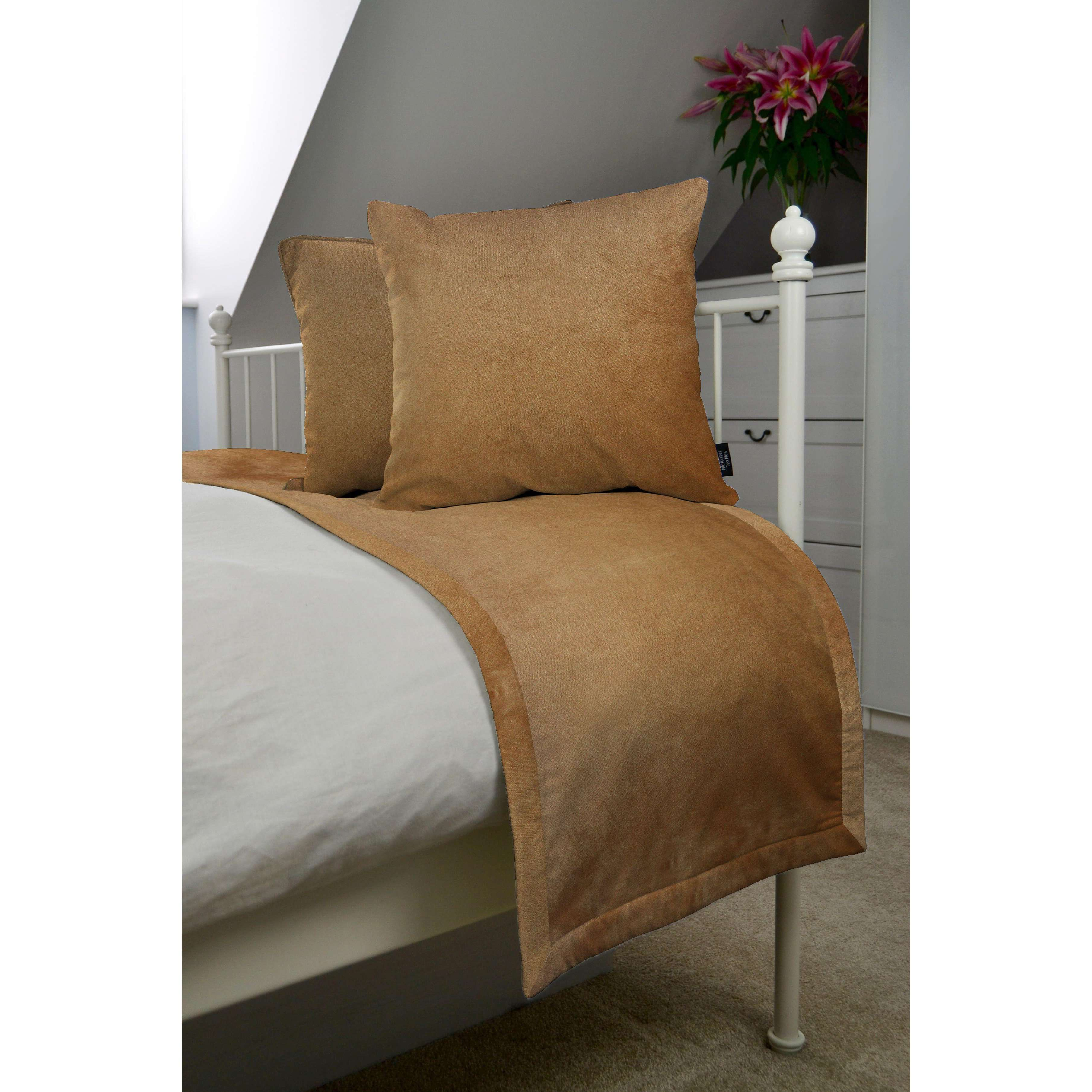McAlister Textiles Matt Caramel Gold Velvet Bedding Set Bedding Set Runner (50x240cm) + 2x Cushion Covers