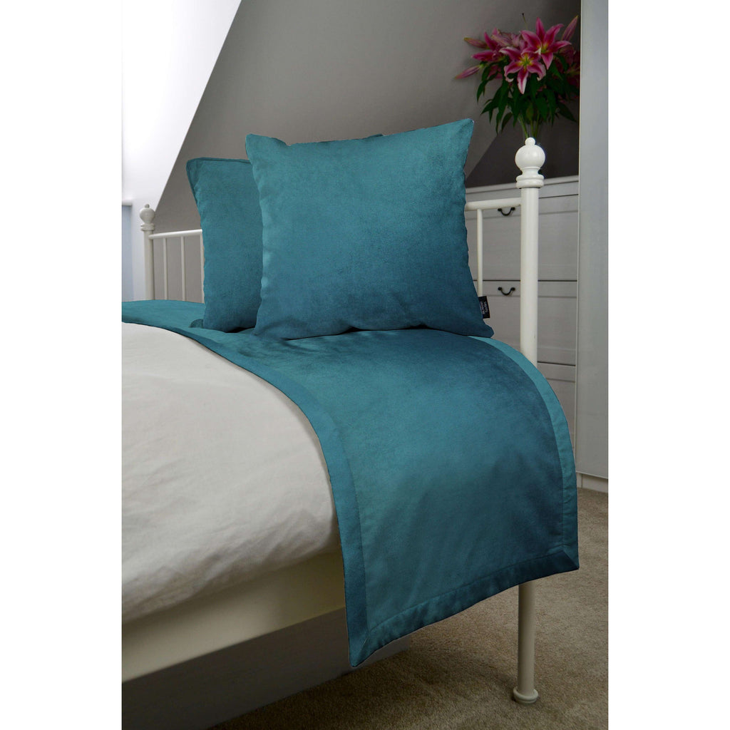 McAlister Textiles Matt Blue Teal Velvet Bedding Set Bedding Set Runner (50x240cm) + 2x Cushion Covers