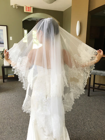 2 Tier Delicate French Chantilly Lace Veil with Blusher