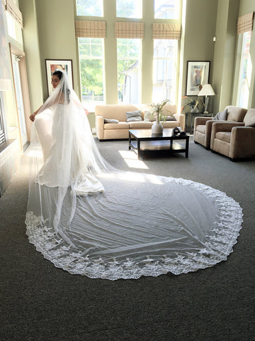 "Dramatic Royal Length Veil with or without Blusher (Lace ""L"")"