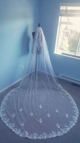 1 Tier Veil Sabrina Lace with Lace applique on Head Cathedral Length
