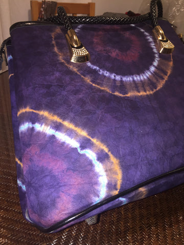 Nubia-handbag-from-Kupendiza-by-LeLook-batik-print-by-Tunde-Odunlade-purple