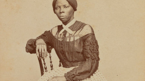 carte-de-viste-harriet-tubman-photograph-by-benjamin-f-powelson-collection-national-museum-of-african-american-history-and-culture-and-library-of-congress-2017_30_47_001_promo