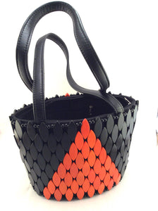 Beaded-handbag-by-AWYI-from-Kupendiza-shoulder-bag-oval-beads-hand-made-in-Kenya-black-orange-geometric-pattern