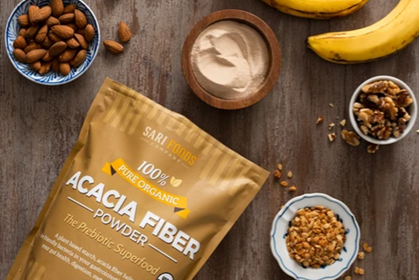 Acacia fiber powder with nuts and a banana.