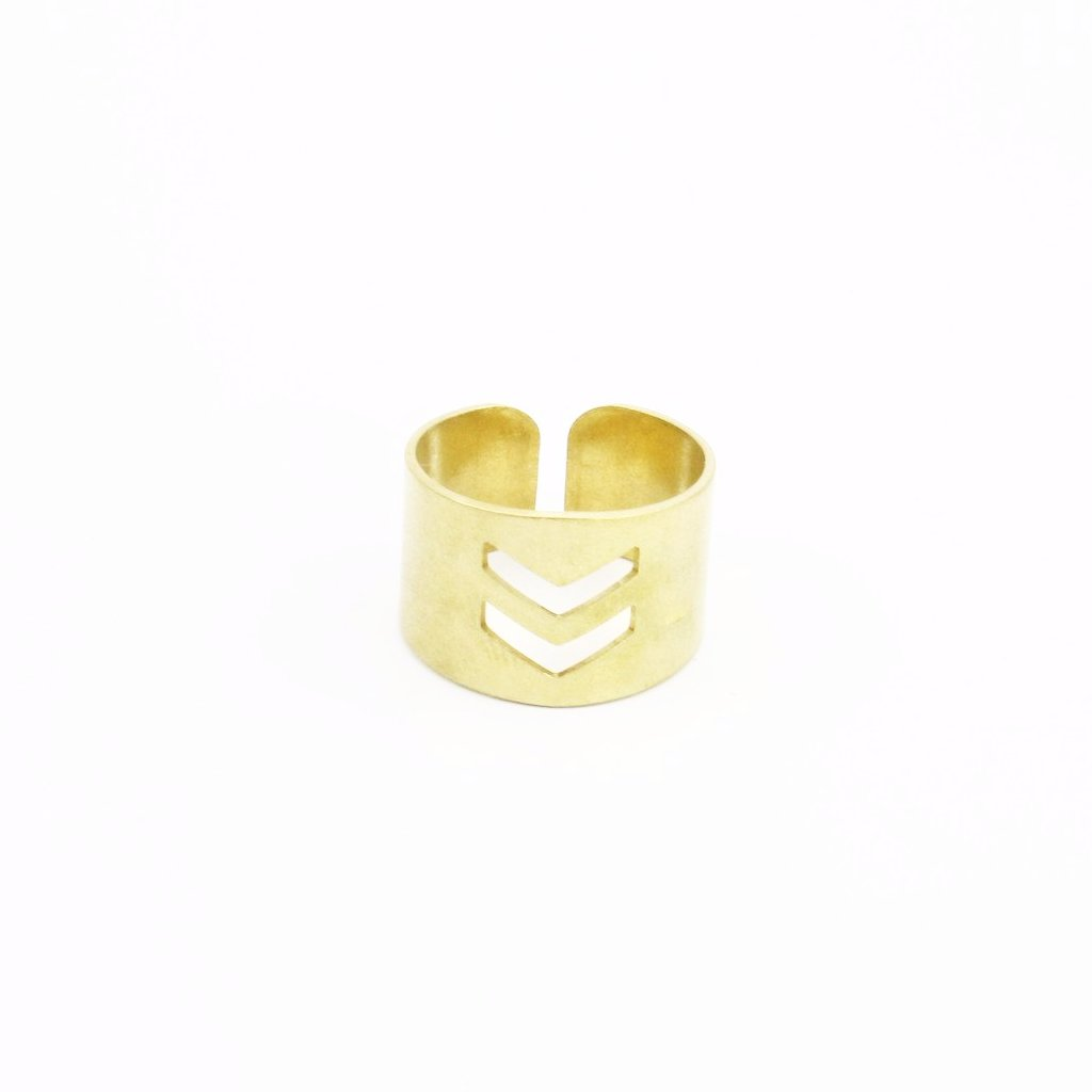Chevi Ring