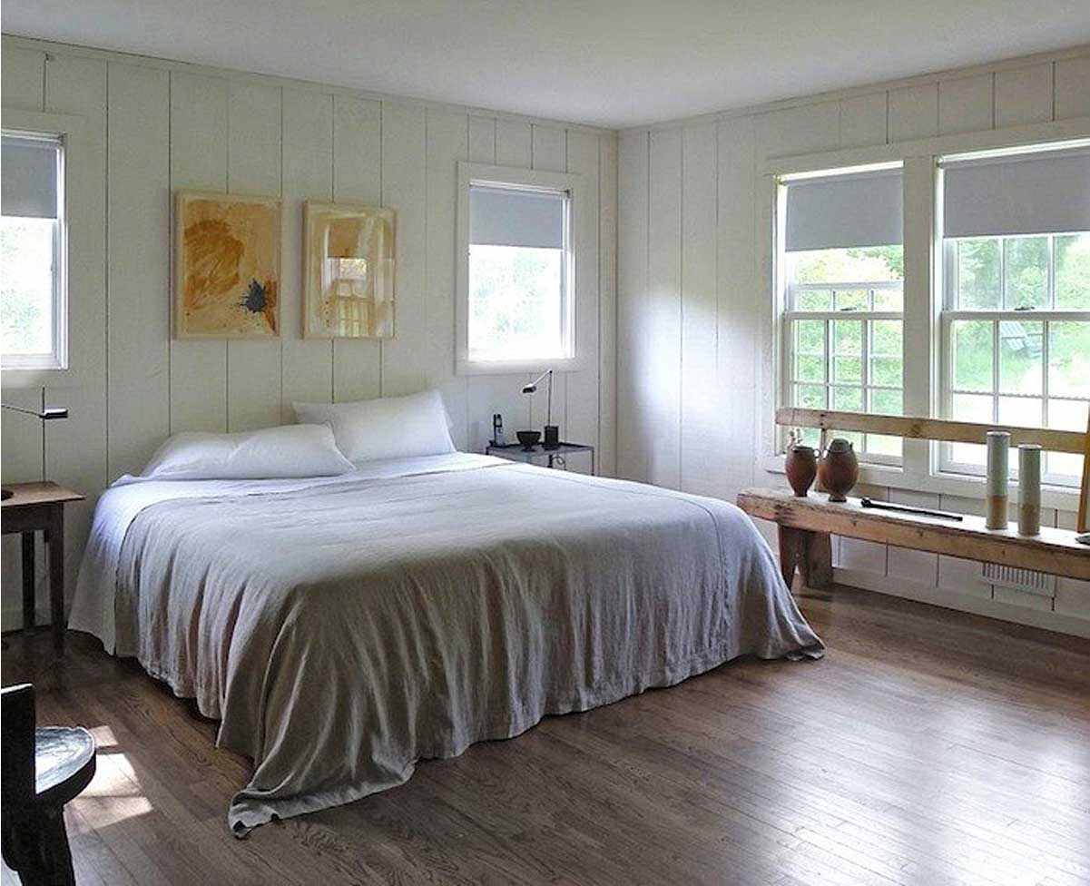 Richard Ostell's bed uses Rough Linen