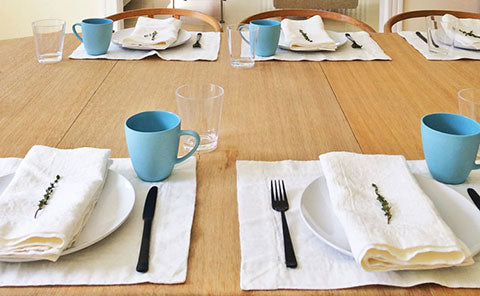 Rough Linen Orkney white placemats and napkins. Photo: Camila P.