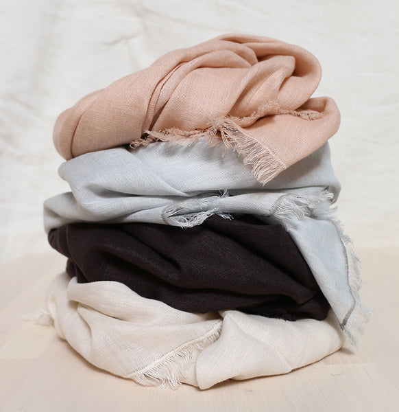rough linen scarves. Stack 4 colors