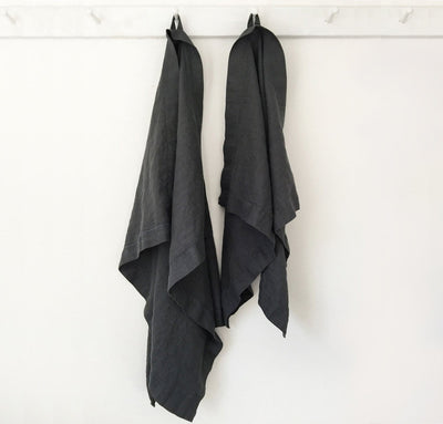 hanging 100% linen bath towel sturdy antimicrobial fast drying heavyweight Orkney linen fabric charcoal dark grey color