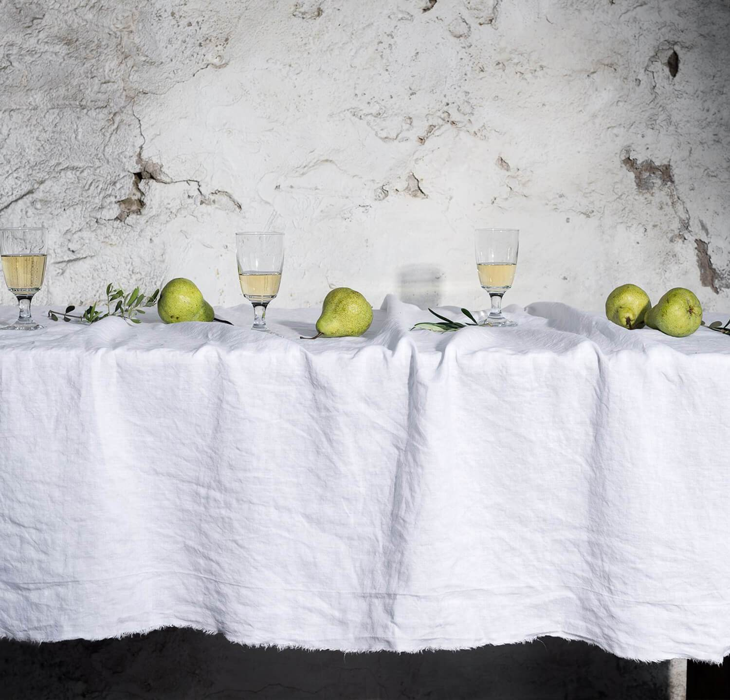 Raw Edge Smooth Linen Tablecloth