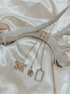 The Lupe Necklace Set