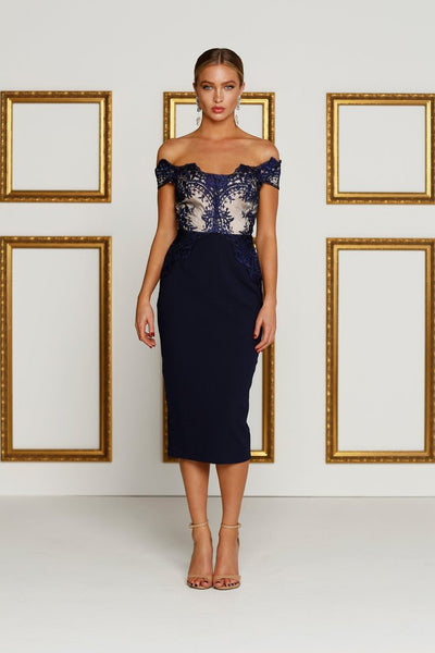 Cocktail Dresses for Hourglass Figure