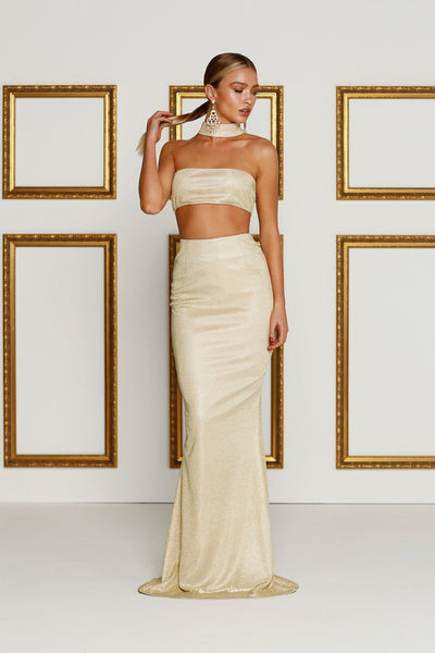 c86c158dbb80 How To Choose The Right Gown For An Evening Party