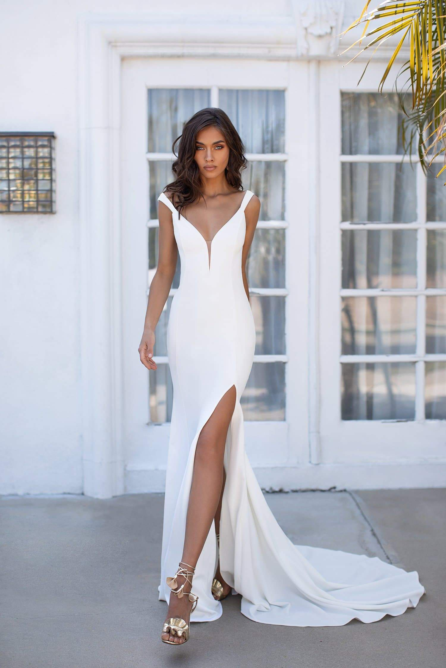 Reina - White Mermaid Gown with Plunge Neckline & Low Back