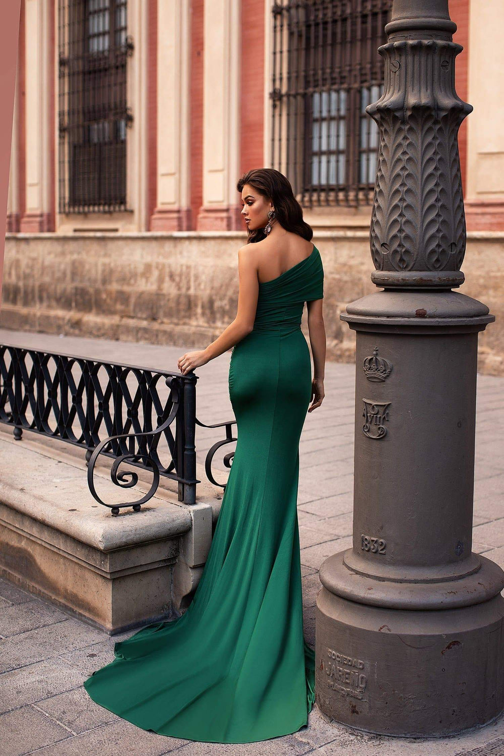 Estrella - Emerald One-Shoulder Jersey Gown with Side Slit
