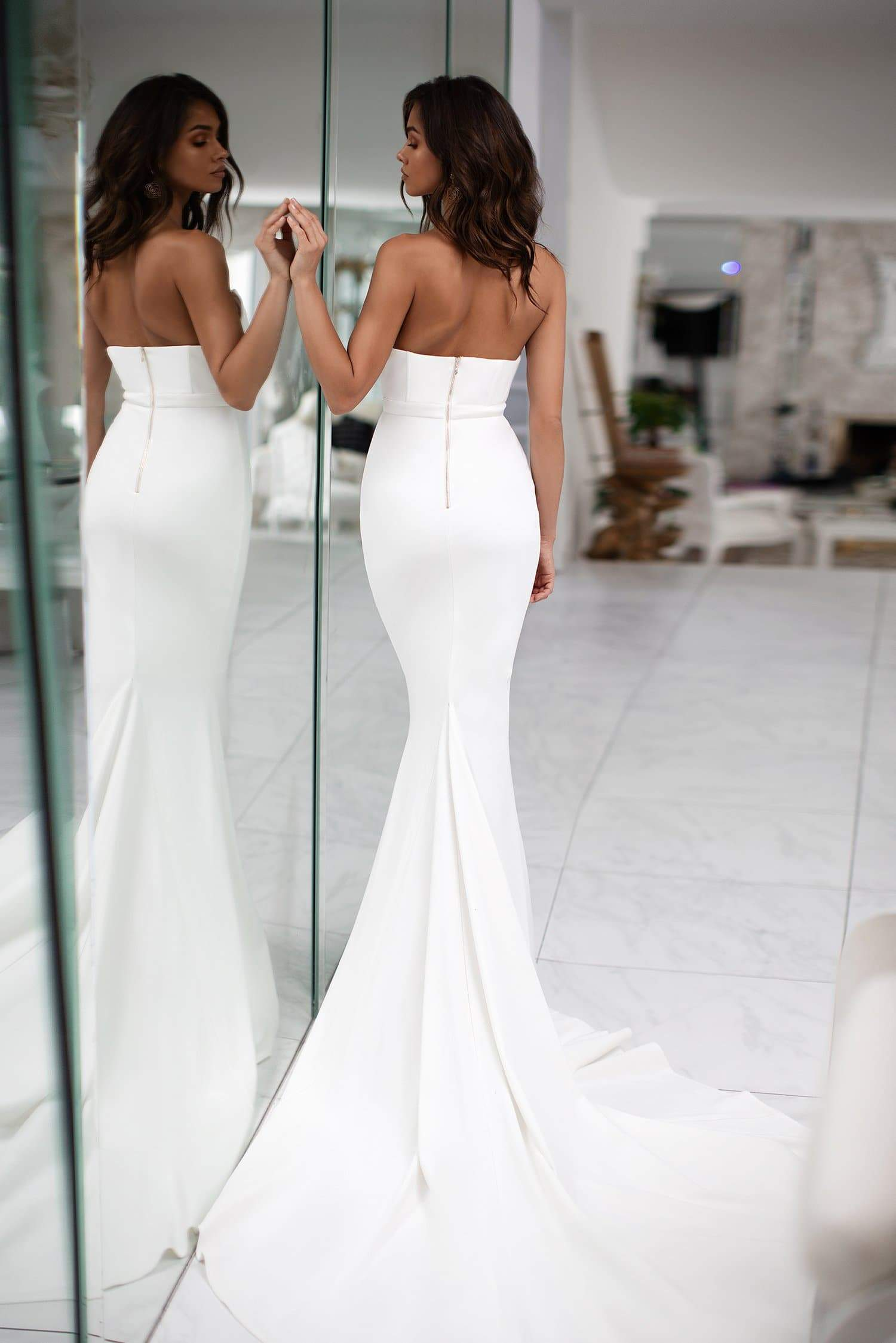 Gulsina - White Strapless Mermaid Gown with Scoop Neckline