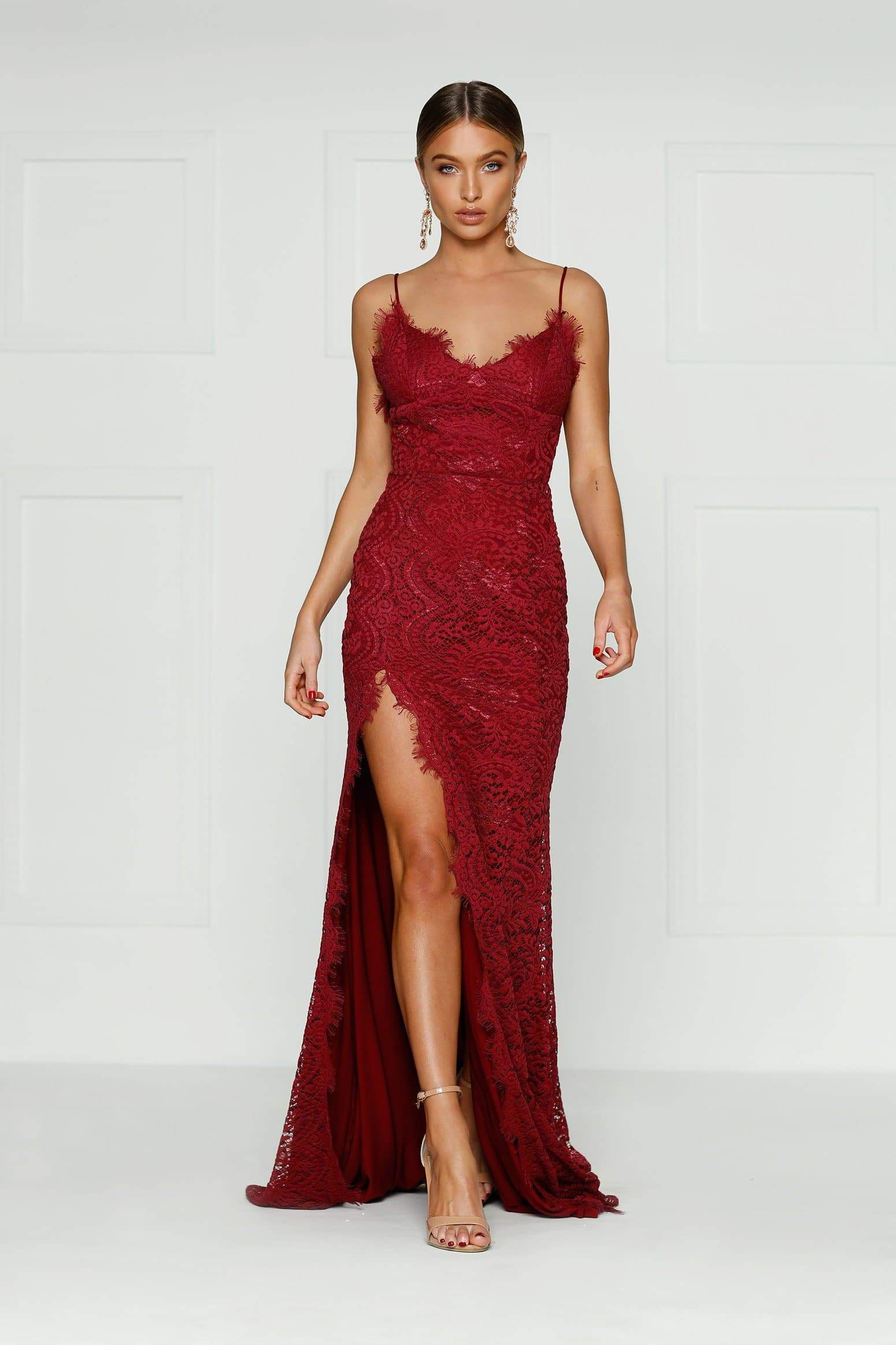 Layali Burgundy Sleeveless Lace Gown With V Neck Amp Side Slit