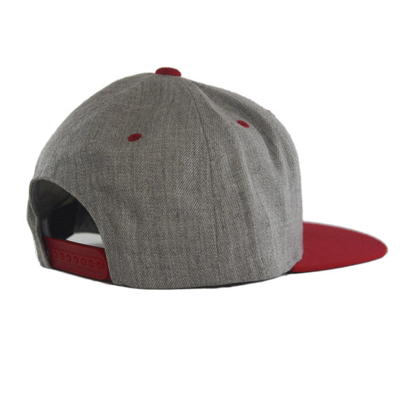 Icon Flat Snapback in Heather/Red