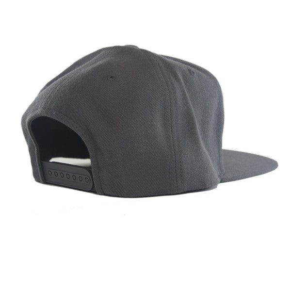 Icon Flat Snapback in Dark Grey