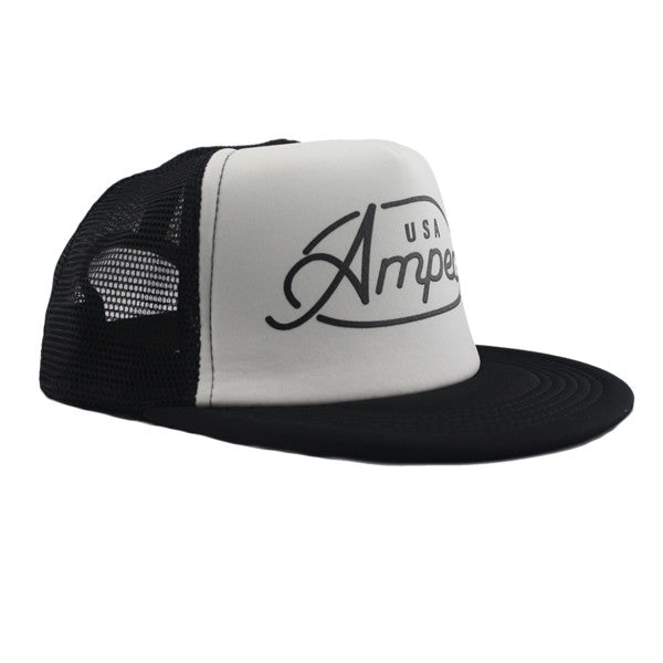 Retro Trucker Snapback in Black/White