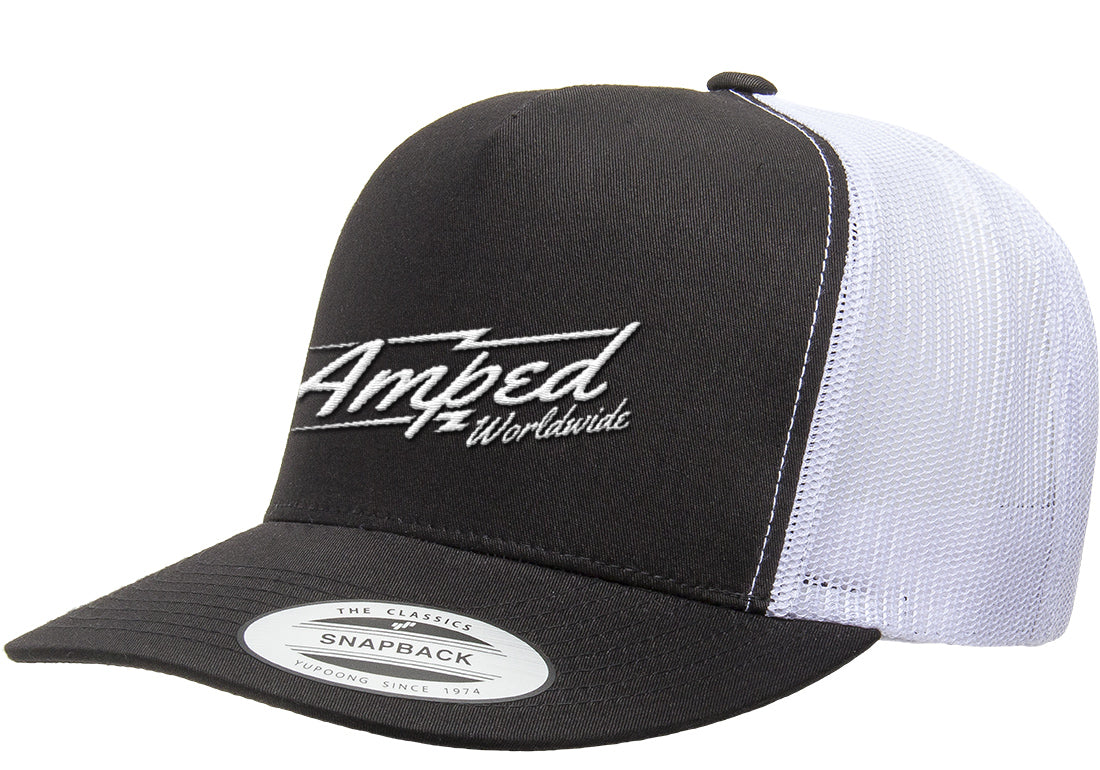 Worlwide Trucker Stretch Fit in Black/White