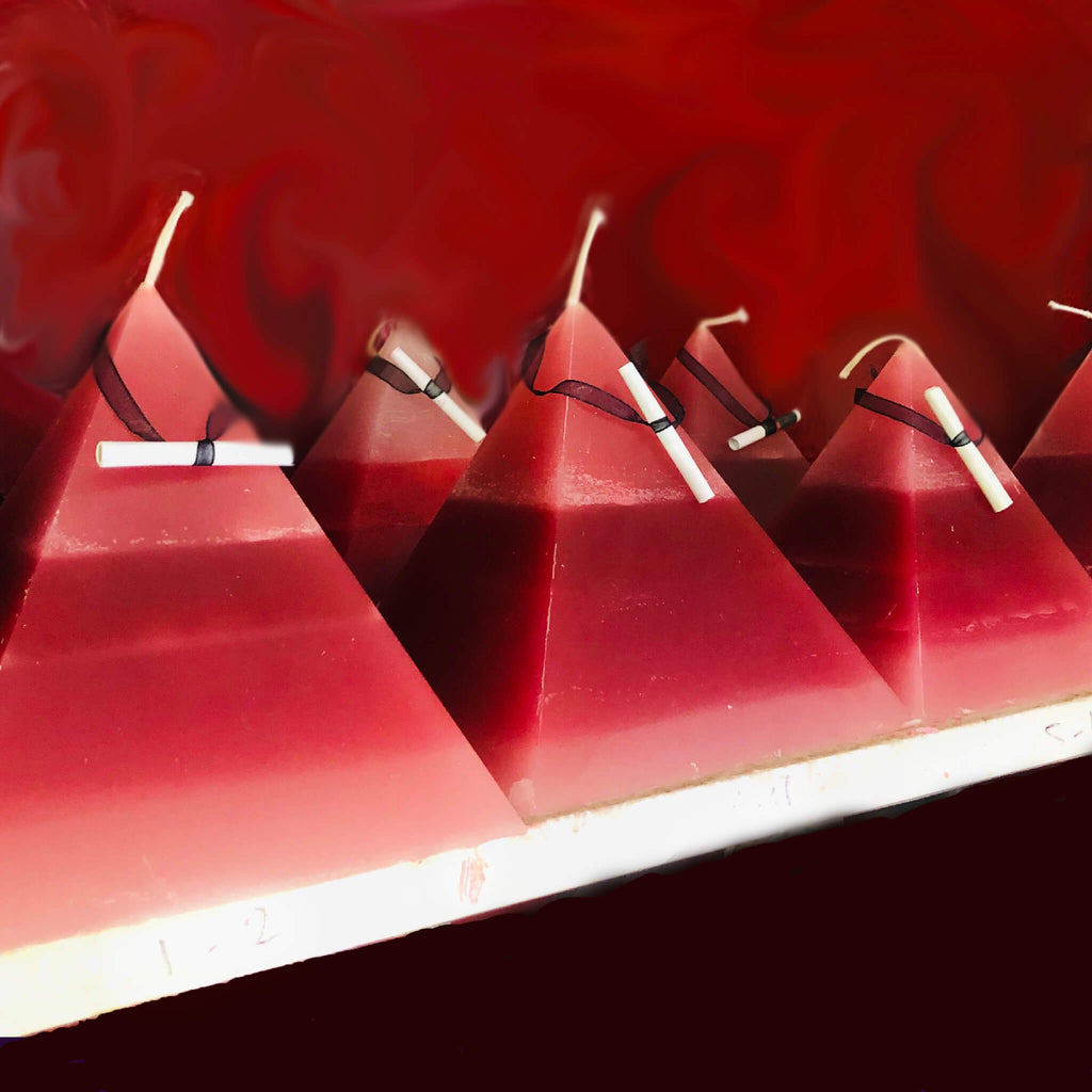 Vampire Fortune Candle - Pyramid