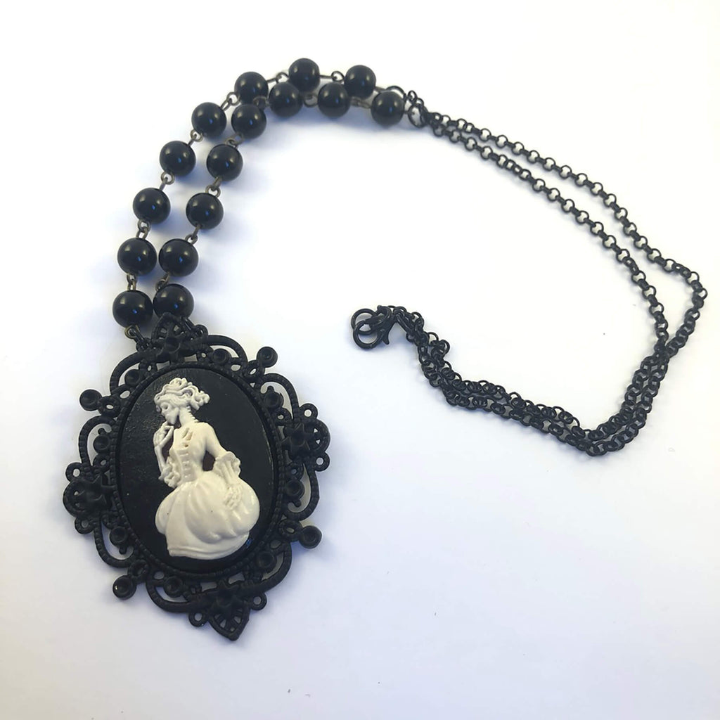 Necklace - Gothic Cameo