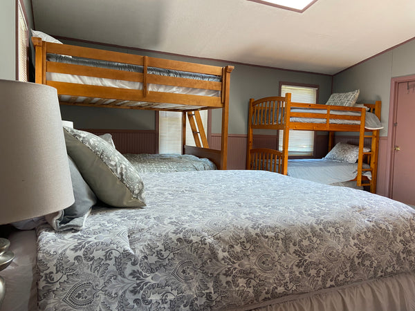 Stagshead Lakehouse: Bunk Room